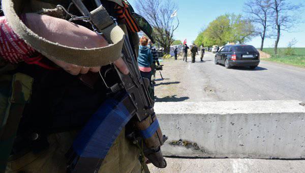 यूक्रेनी सोलेदार के तहत लड़ते हुए, सुरक्षा बलों ने मिलिशिया का अपहरण कर लिया