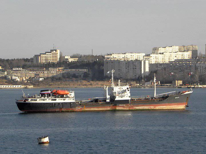 Für die Bedürfnisse der russischen Marine wurde im Newski-Werk ein neuer Mittelmeertanker verlegt.