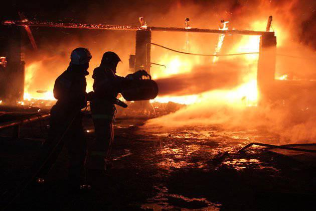 Un camion avec dix morts a été retrouvé dans un entrepôt militaire incendié à Transbaikalia
