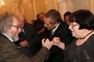 Железный марш бардовской песни, или Что не так в московском интеллигентном антифашизме