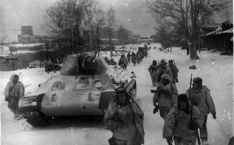 """70 ans a été créé la médaille """"Pour la défense de Moscou"""""""