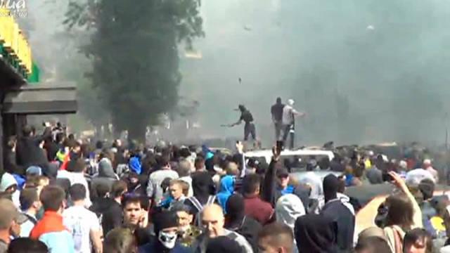 Provocação dos radicais: em Odessa em uma briga em massa matou de 3 a 5 pessoas