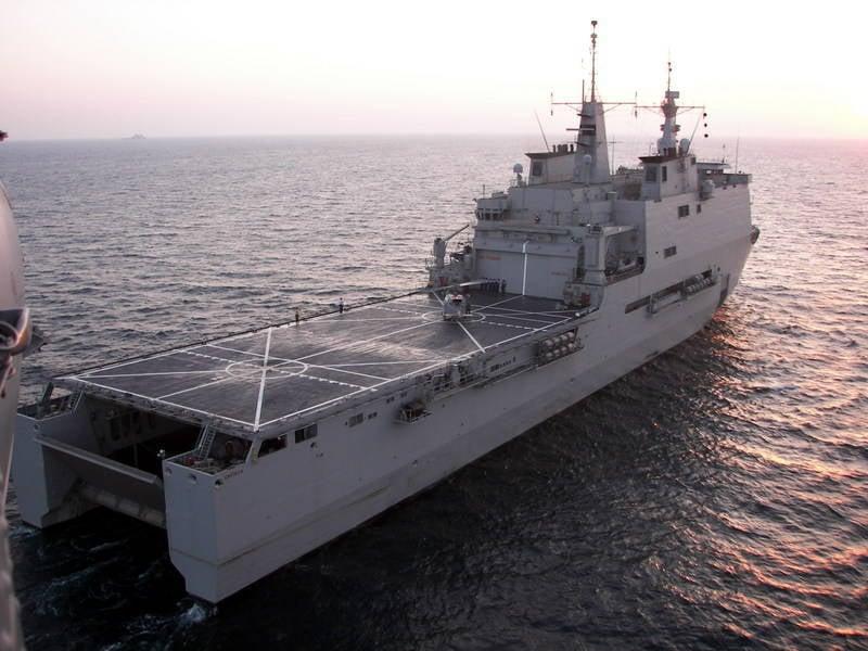 着陆船停靠鹿特丹和加利西亚(荷兰和西班牙)