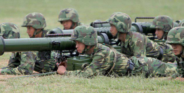 Petites armes pour une grande armée