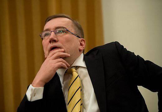 """Estonya'da """"küçük soğuk savaş"""" ve Rusya'nın yenilgisini öngördü"""