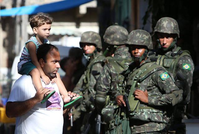Tumulto in una prigione brasiliana: persone 122 prese in ostaggio