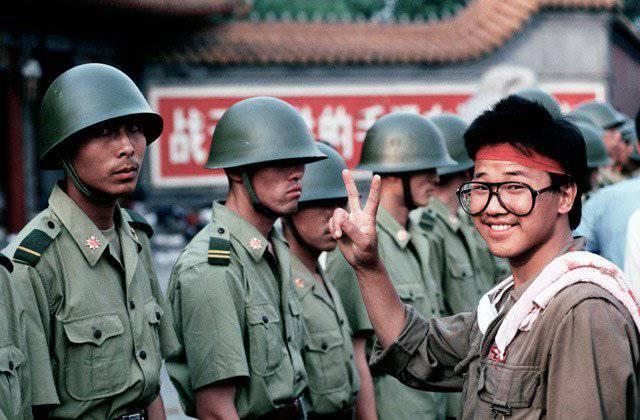 Silver Anniversary Tiananmen