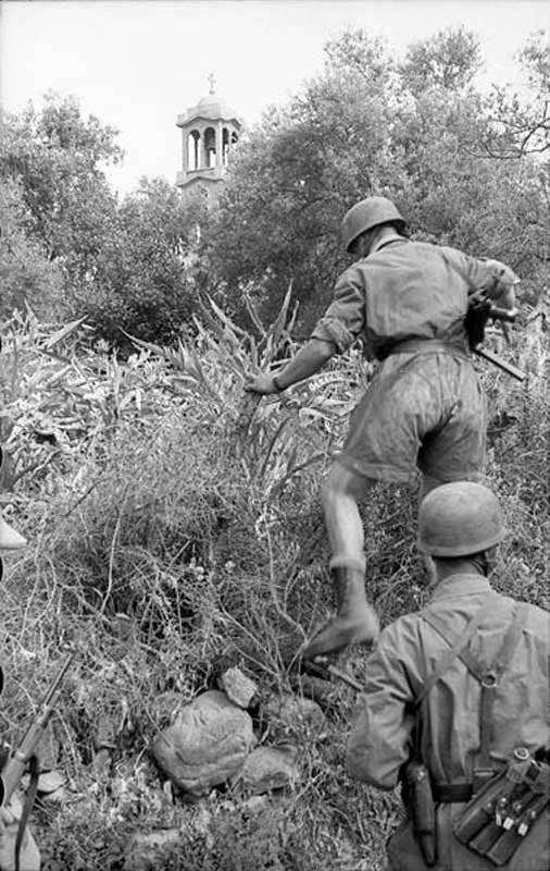 Opération punitive dans la Wehrmacht dans le village grec de Kondomari 2 June 1941