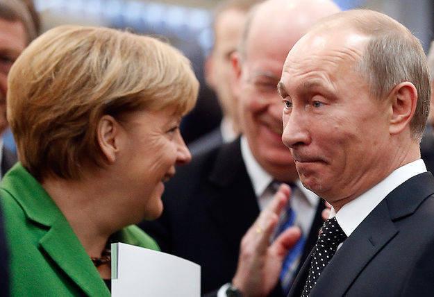 Меркель и Яценюк делают предложение Путину