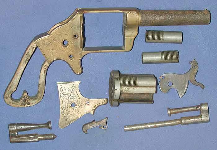 Револьвер Слокум состоит из