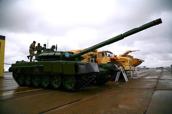"""Technik """"Uralvagonzavod"""" in der Ausstellung KADEX-2014"""