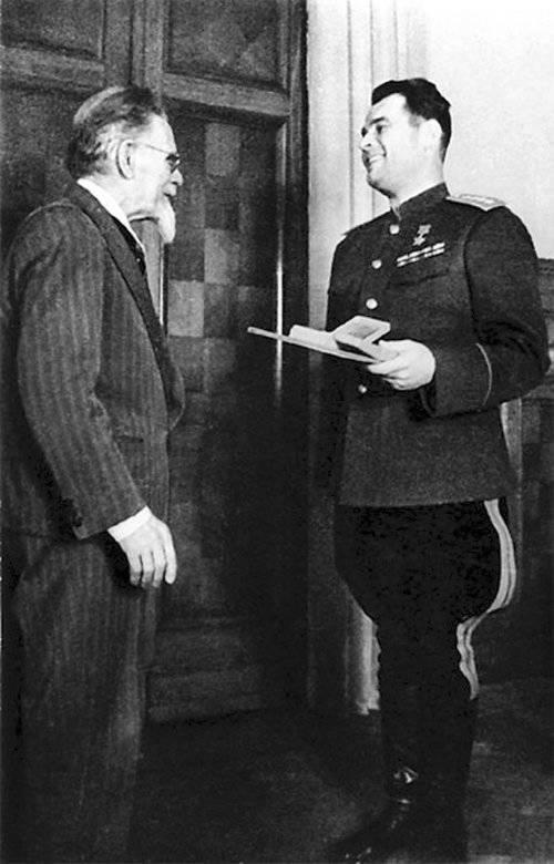Einer der talentiertesten Kommandeure des Großen Vaterländischen Krieges - Ivan Danilovich Chernyakhovsky
