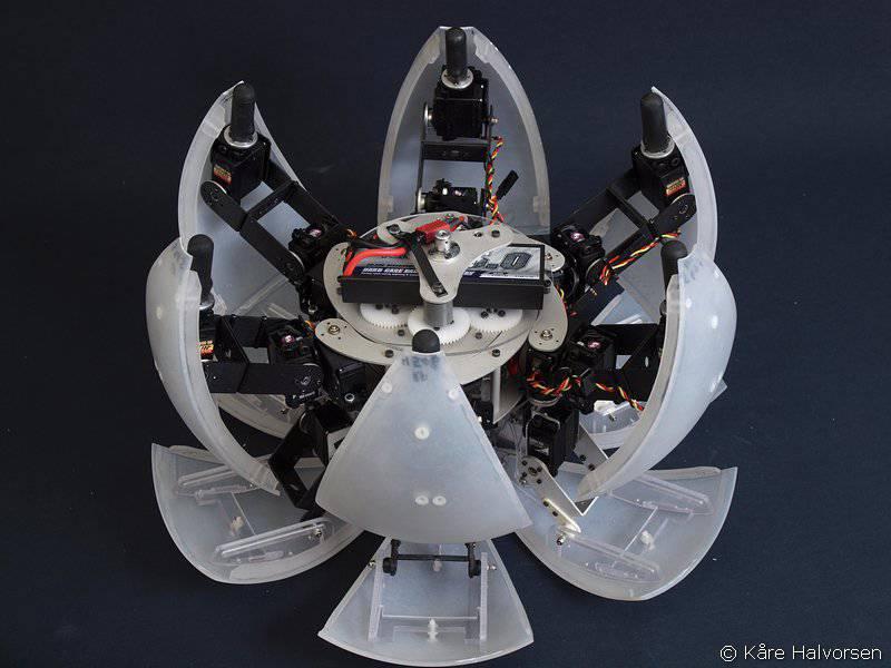 Каре Халворсен представил нового робота MorpHex MKII