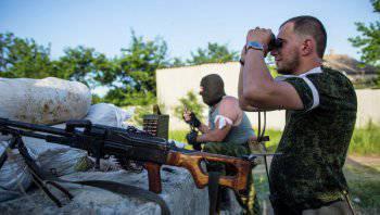 Ополченцы обстреливают блокпосты украинских силовиков под Славянском
