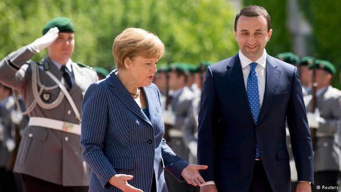 조지아는 나토 가입을 서두르지 말 것을 다시 한 번 권고했다.