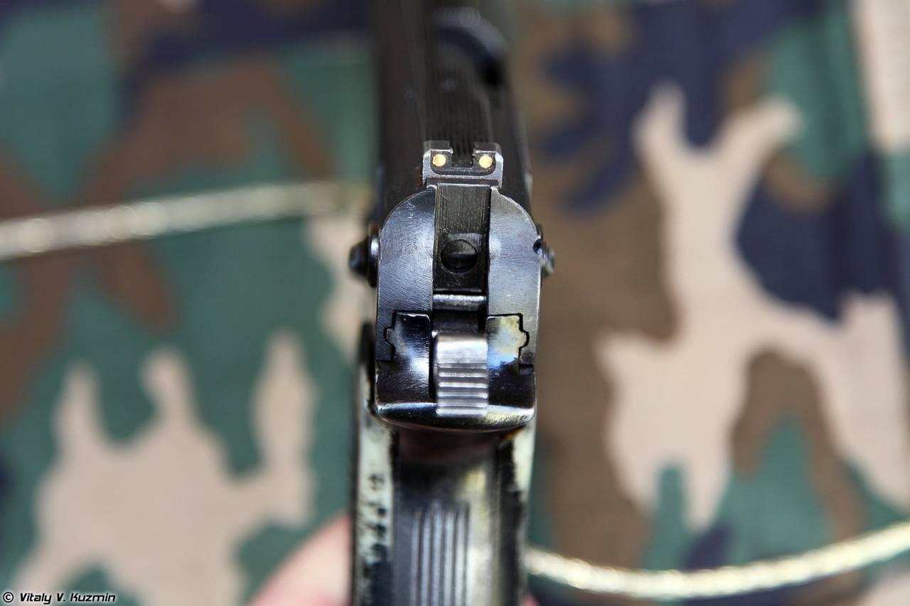 инструкция как установить или снять ствол с апс пистолета стечкина