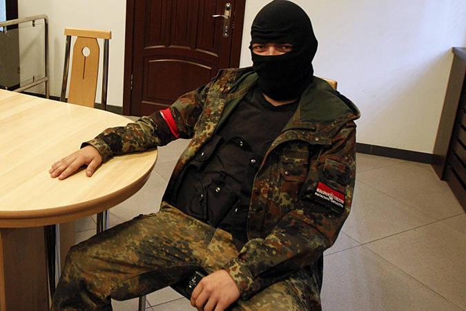Бойцы «Правого сектора» расстреляли экипаж украинской БМП, брошенной на территории России