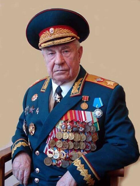 मार्शल याज़ोव ने डीपीआर और एलपीआर के क्षेत्र में रूसी सैनिकों के प्रवेश के खिलाफ बात की