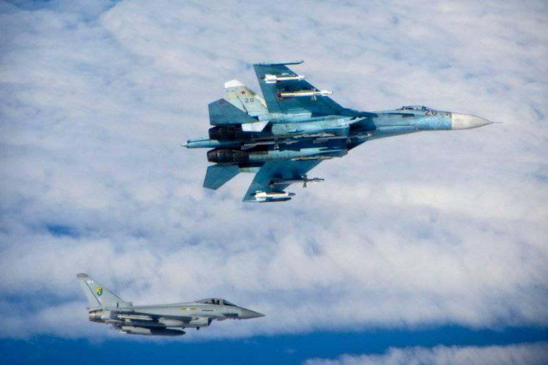 Британские истребители сопроводили российские самолеты у границ стран Балтии