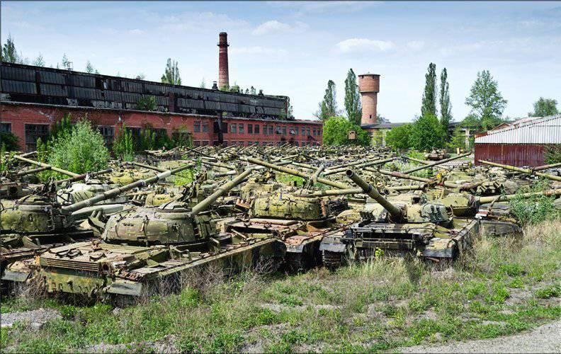 танки на хранении в Украине
