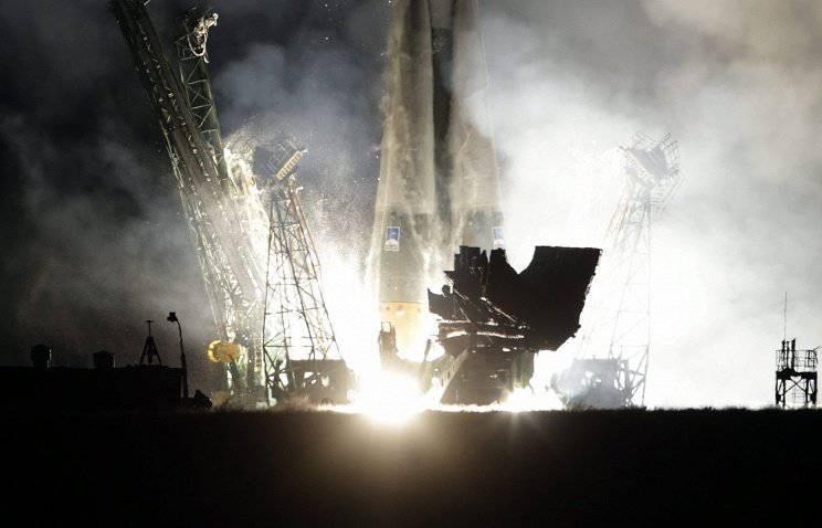 बैजोनूर कोस्मोड्रोम से लॉन्च किए गए मेट्योर-एम उपग्रह के साथ सोयूज लॉन्च वाहन
