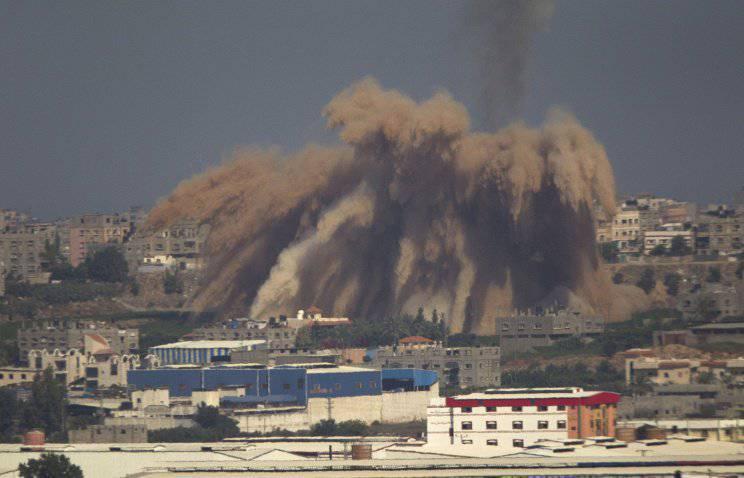 На сектор Газа обрушились 400 тонн израильских боеприпасов