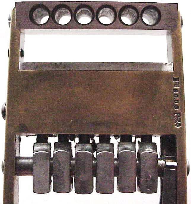 Шестизарядный пистолет Чарльза Бейля