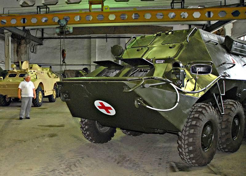 """새로운 우크라이나 기갑 차량 : """"기술""""및 의료 기계"""