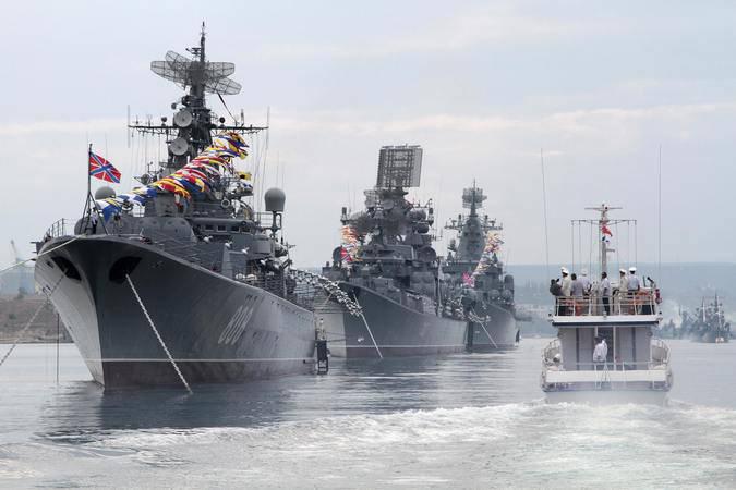 In Sewastopol wurde der Tag der Marine Russlands im großen Stil gefeiert