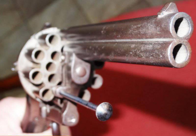 Двуствольный двадцатизарядный шпилечный револьвер
