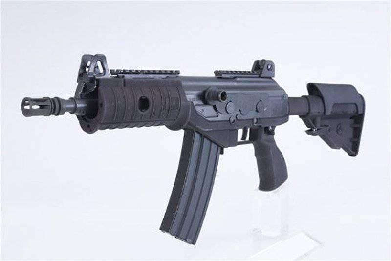武装特种部队。 来自西方专家的技术和产品概述(来自1的2的一部分)