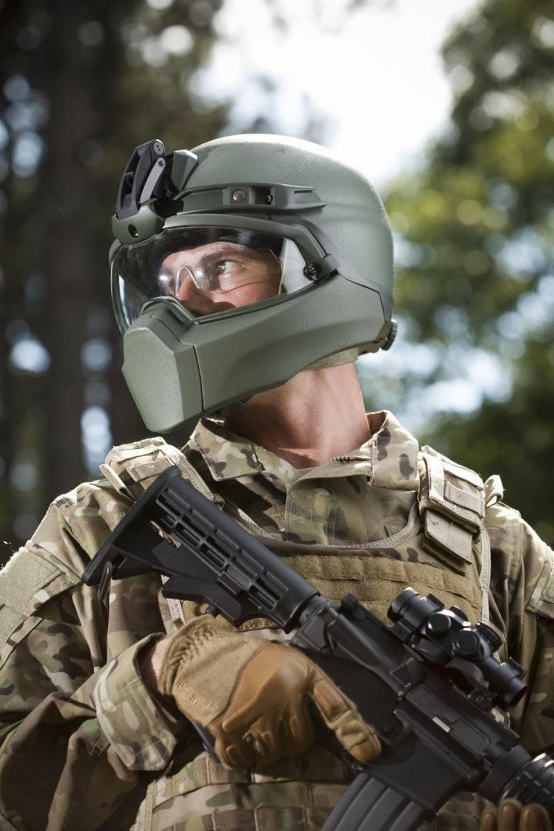 Перспективный американский шлем для защиты лица от осколков