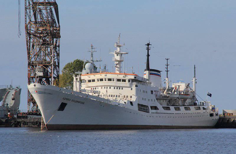 Исследовательское судно «Адмирал Владимирский» отправилось в кругосветку