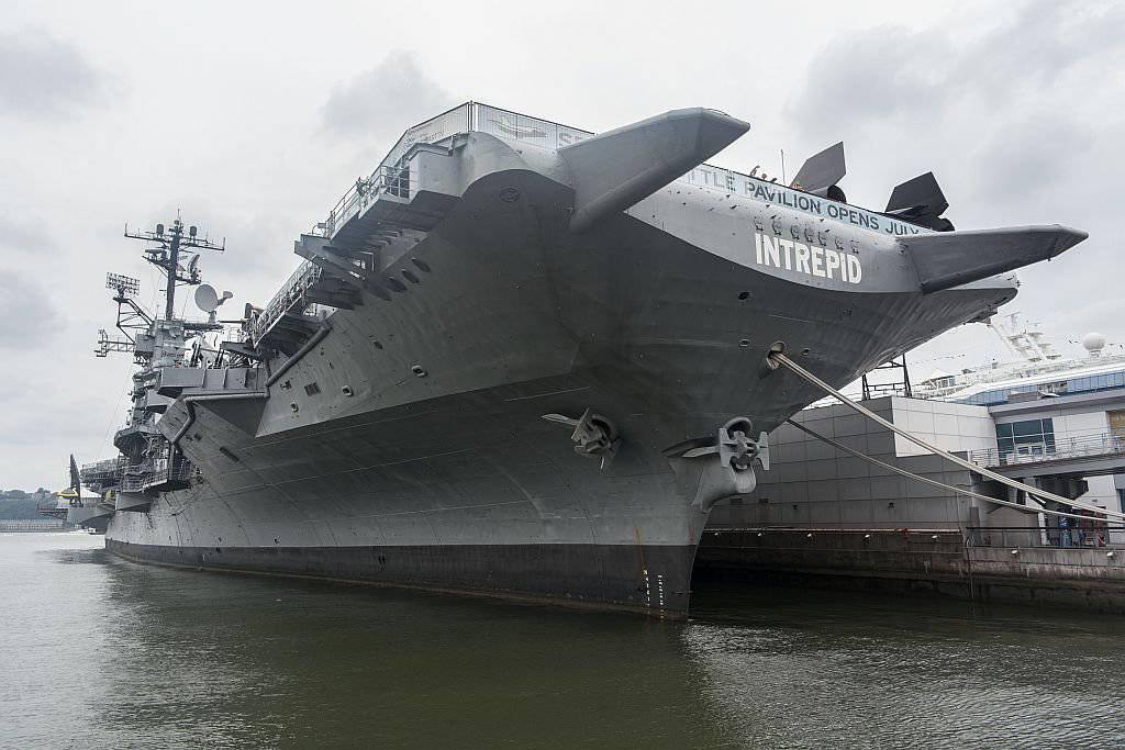 1410408080_intrepid_front.jpg