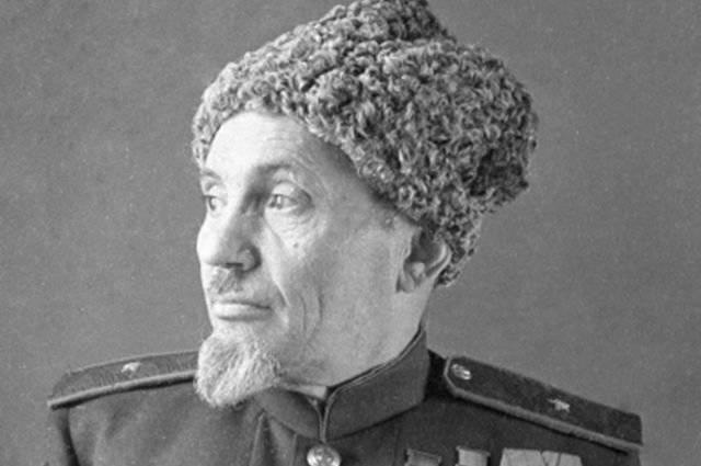 दादाजी, जो हिटलर से डरते थे। कैसे सिदोर कोवपाक ने पक्षपातपूर्ण सेना बनाई