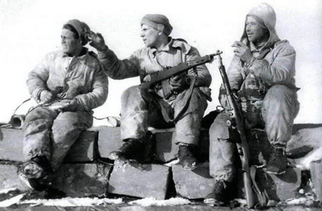 O primeiro assalto - russo
