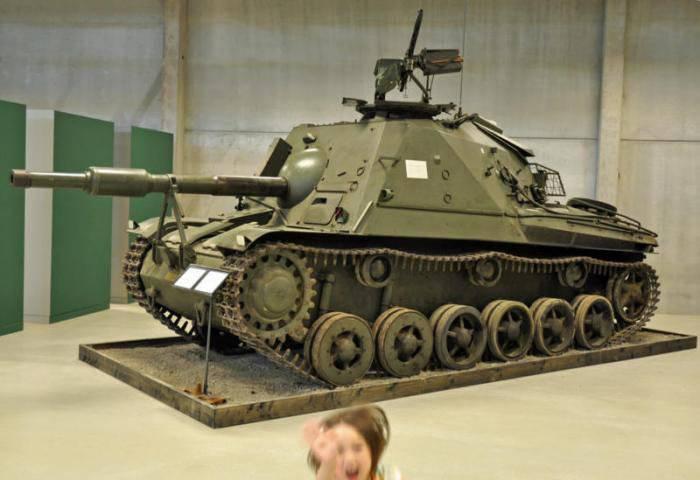 Средний танк Stridsvagn Strv m/42. Швеция