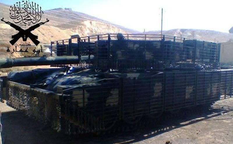 Усиленная защита сирийских Т-72 выдерживает попадание реактивных гранат