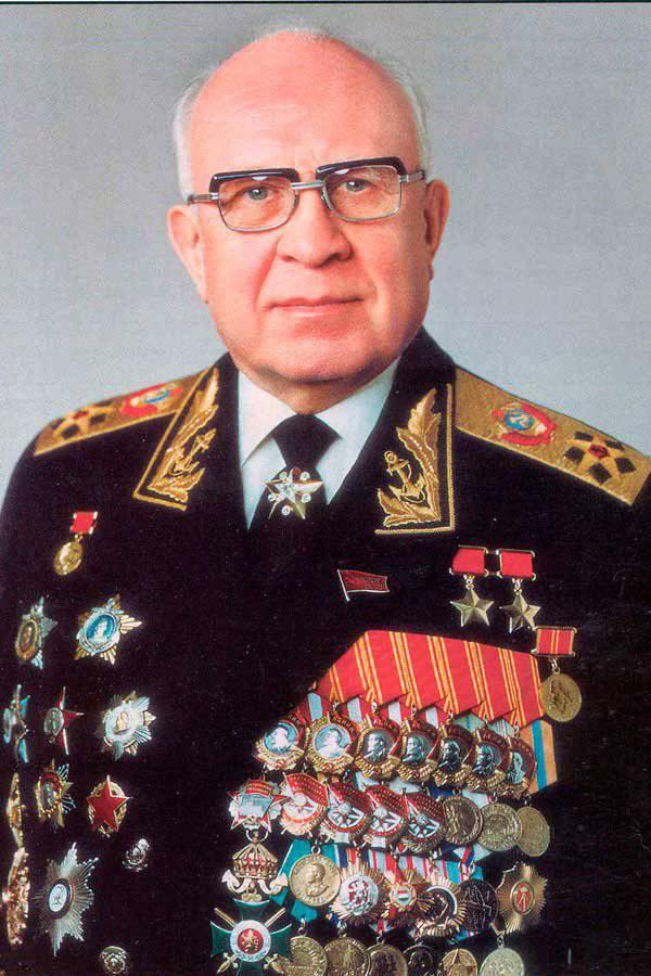 http://topwar.ru/uploads/posts/2014-10/1412693747_gorshkov.jpg