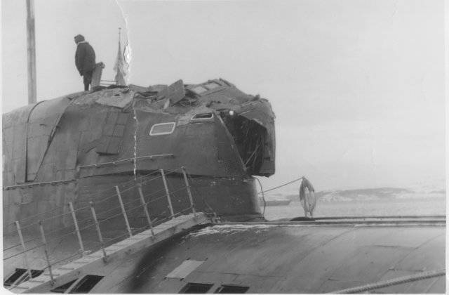 Damage to the cabin K-276