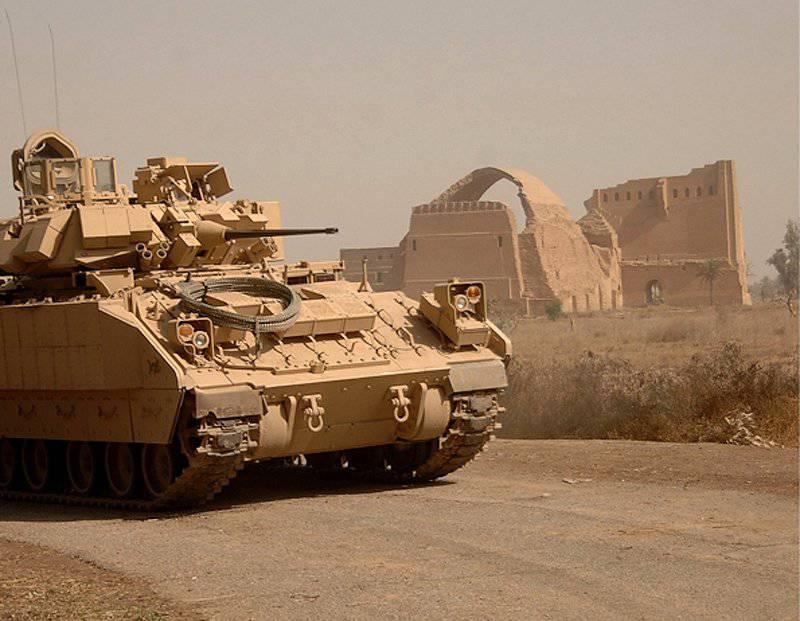 लड़ाकू वाहनों का ब्रैडली परिवार समय के साथ तालमेल बनाए रखता है