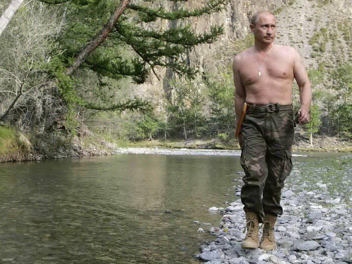 Видение Запада: цены на нефть обваливаются, и Путин становится «добрым малым»