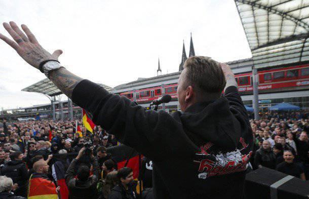 Los disturbios en la República Federal de Alemania: radicales nacionalistas contra radicales islamistas