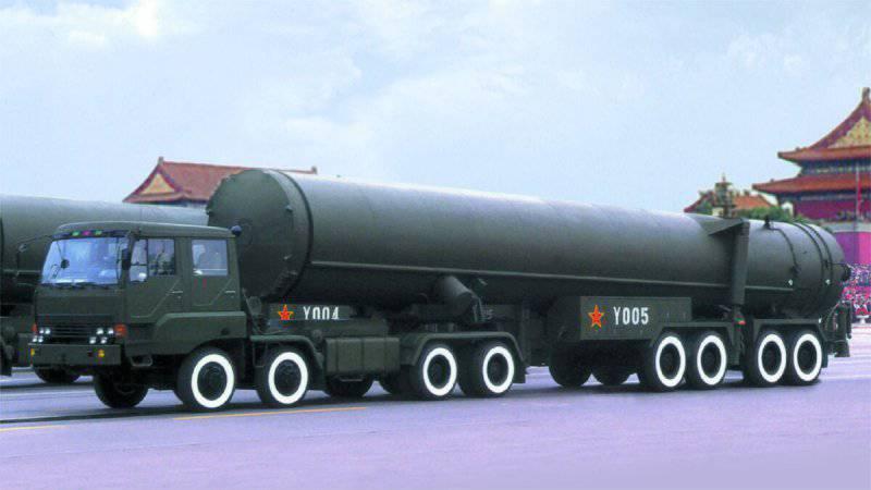 В Китае испытали новую версию баллистической ракеты