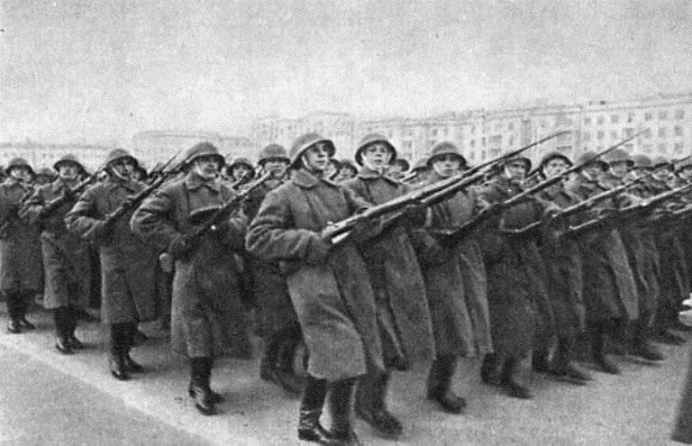 Минобороны публикует рассекреченные документы о параде 1941 г. в Куйбышеве