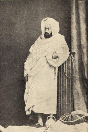 Arap Burnous'taki Kızıldeniz gezisi sırasında Maclay. 1869 yılı