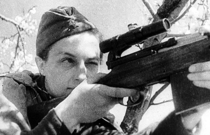 Наши снайперы против фашистских