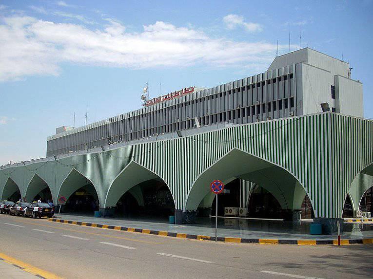 В Триполи неопознанный самолёт нанёс ракетный удар по аэропорту