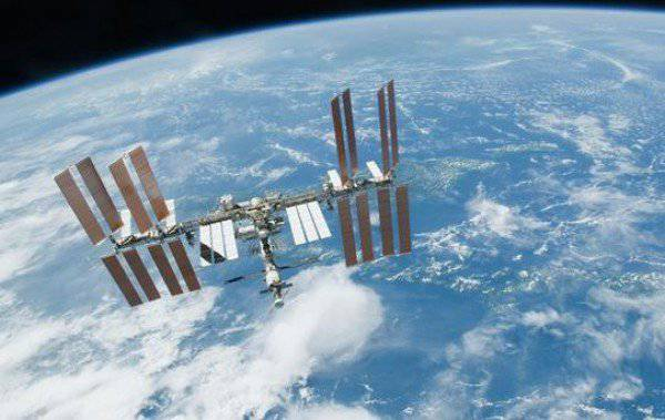 On the ISS, together with the United States becomes too closely ...