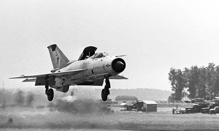 アメリカの「ファントム」に対するソビエトの「MiG-21」